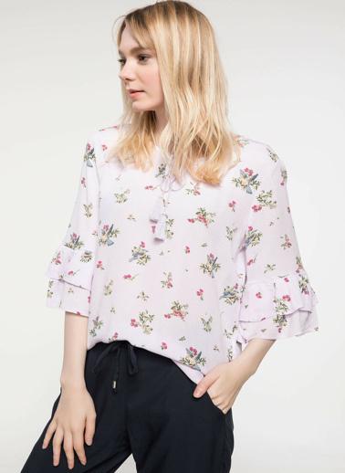 DeFacto Kol Ucu Volanlı Çiçek Desenli Bluz Mor